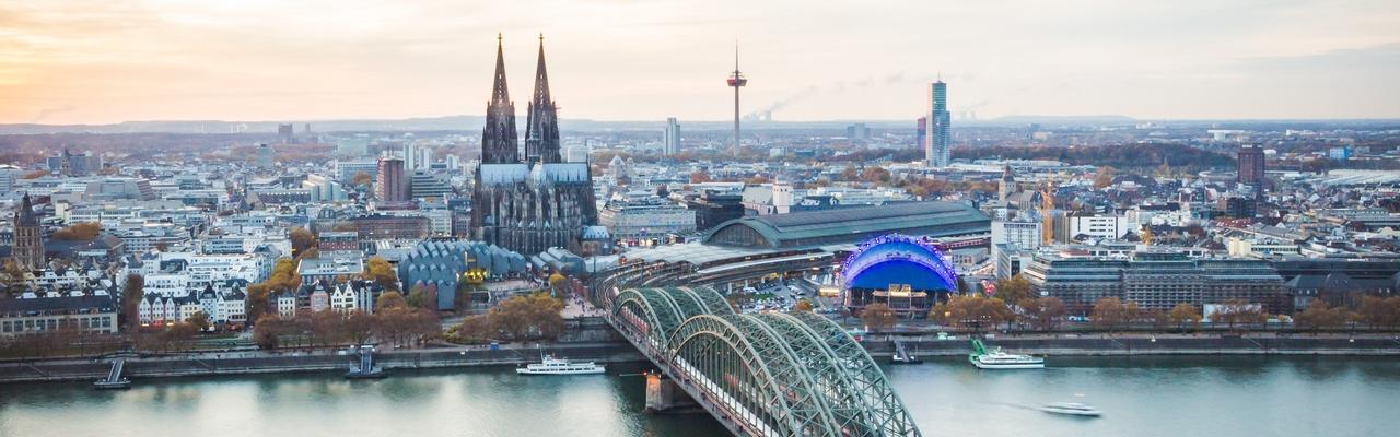 Kölner Skyline mit Kölner Dom
