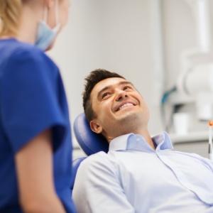 Gesunde Zähne - gesunder Körper (Bildquelle: Shutterstock/Syda Produktions)