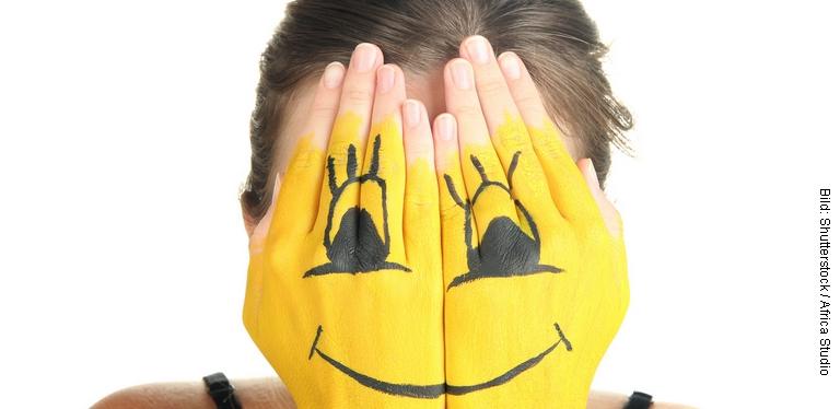 Smiley Hände (Bild: Shutterstock / Africa Studio)