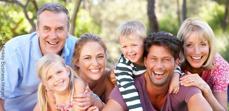 Wissenswertes zur Zahngesundheit für Patienten (Monkey Business Images)